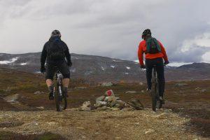 På sykkeltur innover Jøldalen