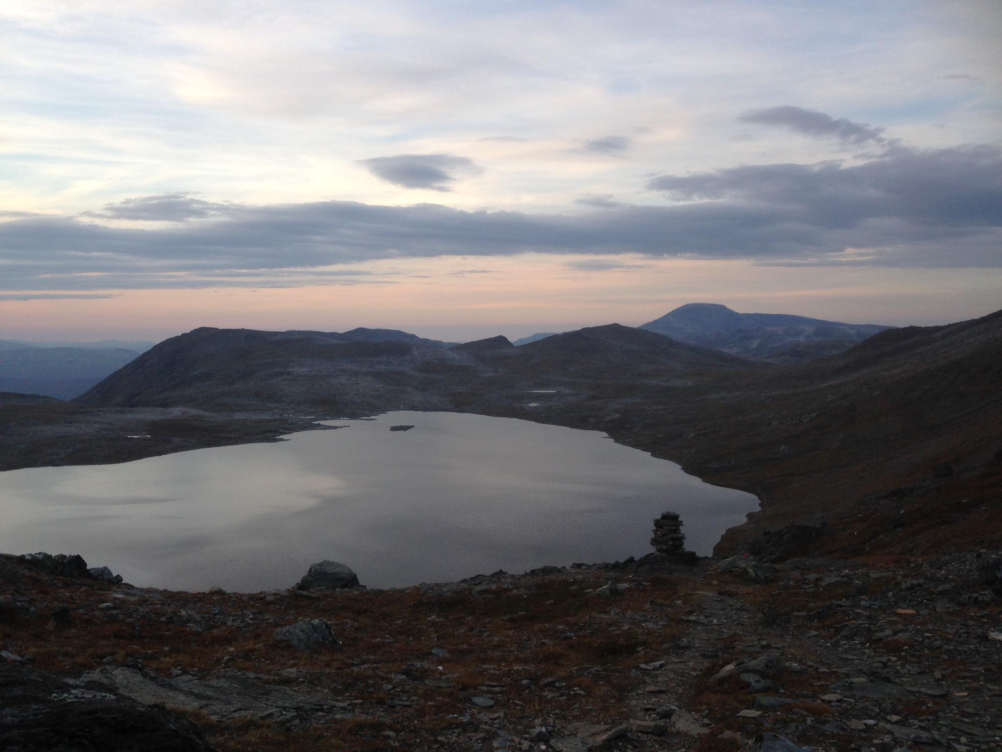 Fossådalsvatnet etter solnedgang