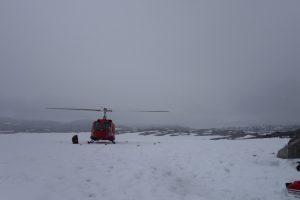 Helikopteret inn for landing