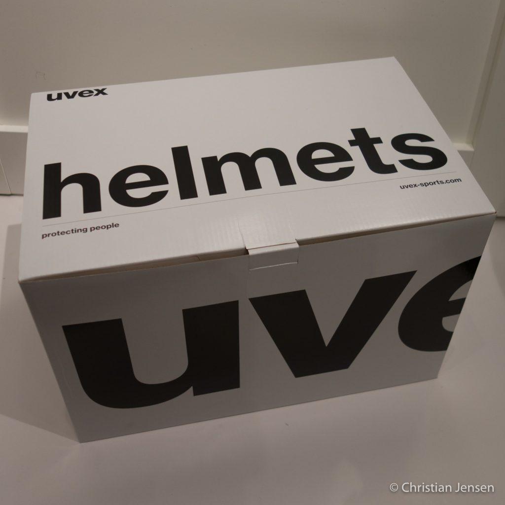 Beskjeden innpakning fra Uvex